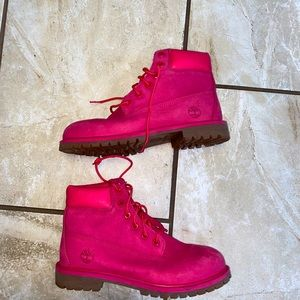 🚨HOST PICK🚨Timberland 6inch Pink Nubuck boot 7
